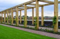 De tuinhout toepassingen van LTL Woodproducts