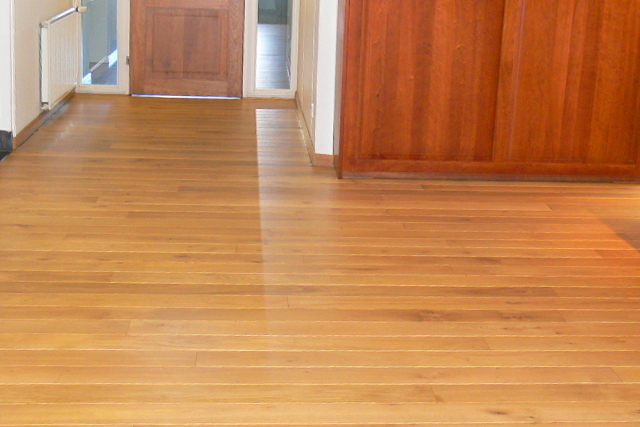 A solid wood floor forms a luxurious basis for every interior.
